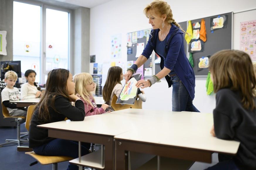 Vor dem neuen Schuljahr warnen Experten: Die Schule ist bubenfeindlich