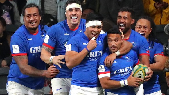 epa07824975 Dwayne Polataivao (3-R) of Samoa celebrates with teammates after scoring a try during the Australian Wallabies and Manu Samoa International rugby match at Bankwest Stadium in Sydney, Australia, 07 September 2019.  EPA/DAVID GRAY EDITORIAL USE ONLY AUSTRALIA AND NEW ZEALAND OUT