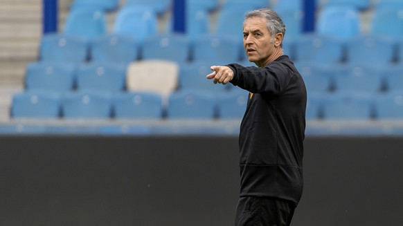 Basel's head coach Marcel Koller during a training session the day before the UEFA Europa League third qualifying round first leg match between Netherland's Vitesse and Switzerland's FC Basel 1893 at the GelreDome stadium in Arnhem, the Netherlands, on Wednesday, August 8, 2018. (KEYSTONE/Georgios Kefalas)