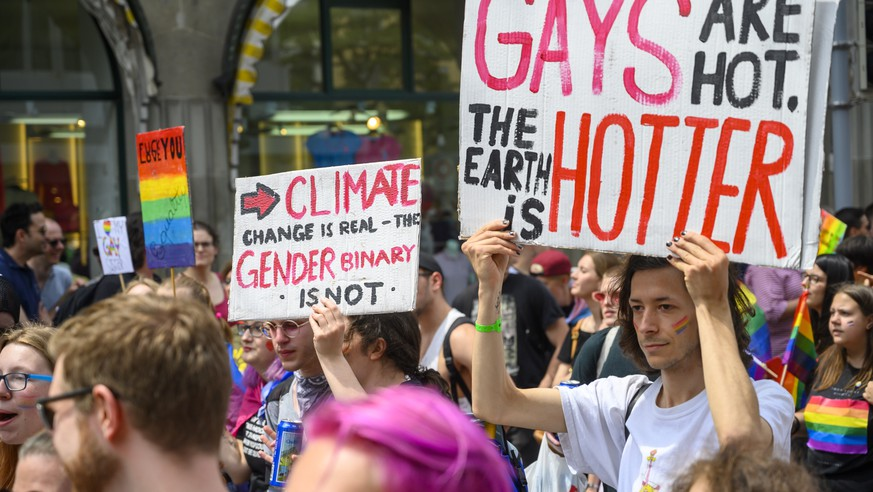 epa07650254 People participate in the Gay Pride parade in Zurich, Switzerland, 15 June 2019, under the motto 'Strong in diversity' for the rights of the LGBT community in Switzerland.  EPA/MELANIE DUCHENE