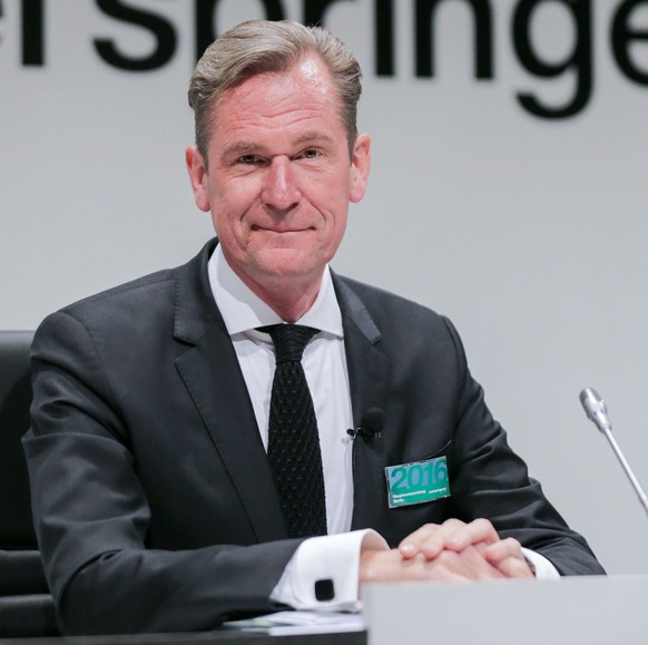 epa05256754 The chairman of the board of media enterprise and publishing house Axel Springer SE, Mathias Doepfner speaks during the general share holders meeting in Berlin, Germany, 13 April 2016.  EPA/KAY NIETFELD