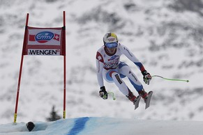 Switzerland's Carlo Janka in action during the FIS Alpine Ski World Cup downhill race at the Lauberhorn in Wengen, Switzerland, Saturday, January 18, 2014. (KEYSTONE/Peter Schneider)