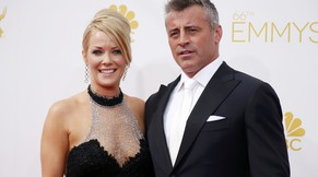 Andrea Anders and Matt LeBlanc arrive at the 66th Primetime Emmy Awards in Los Angeles, California August 25, 2014.  REUTERS/Lucy Nicholson (UNITED STATES -Tags: ENTERTAINMENT)(EMMYS-ARRIVALS)