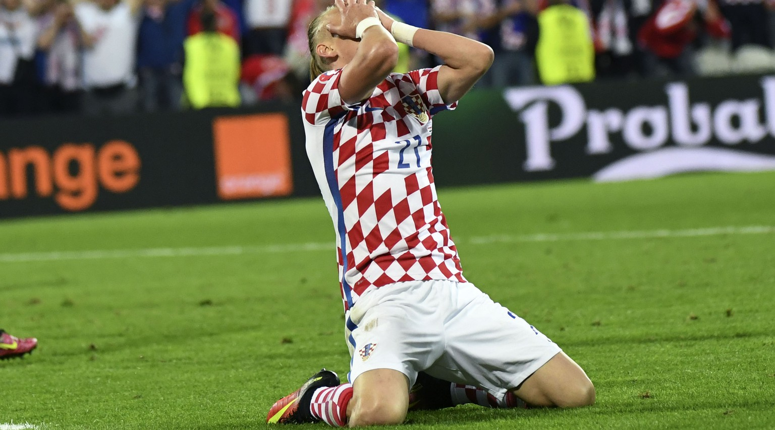 Croatia's Domagoj Vida reacts at the end of the Euro 2016 round of 16 soccer match between Croatia and Portugal at the Bollaert stadium in Lens, France, Saturday, June 25, 2016. (AP Photo/Geert Vanden Wijngaert)