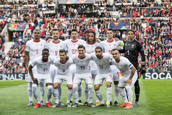 Swiss players pose prior to the the UEFA Nations League semi-final soccer match between Portugal and Switzerland at the Dragao stadium in Porto, Portugal, on Wednesday, June 5, 2019. (KEYSTONE/Jean-Christophe Bott)