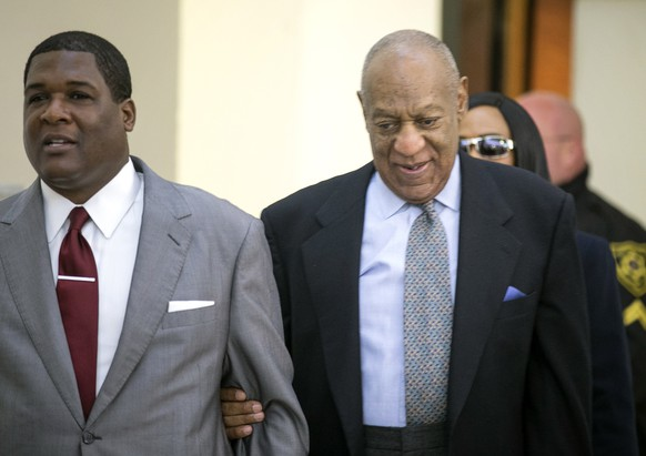 Comedian and actor Bill Cosby arrives at the Montgomery County courthouse, Tuesday, Nov. 1, 2016, in Norristown, Pa.  Cosby's lawyers pressed a judge Tuesday to keep his potentially damaging testimony from a lawsuit out of his sexual assault trial, saying it would be fundamentally unfair since Cosby thought he had a promise from the government that he would never be charged. (Ed Hille/The Philadelphia Inquirer via AP, Pool)