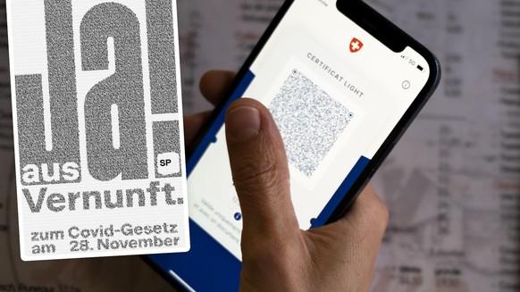 Une personne tient dans sa main un smartphone avec l'application Certifact Covid suisse et un certificat light dans un restaurant ce vendredi 10 septembre 2021 a Rances dans le canton de Vaud. Des ce lundi 13 septembre, il faudra montrer le code QR sur l
