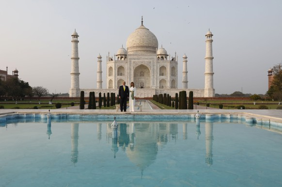 U.S. President Donald Trump, and first lady Melania Trump visit the Taj Mahal, the 17th century monument to love in Agra, India, Monday, Feb. 24, 2020. (AP Photo/Rajesh Kumar Singh) Donald Trump,Melania Trump