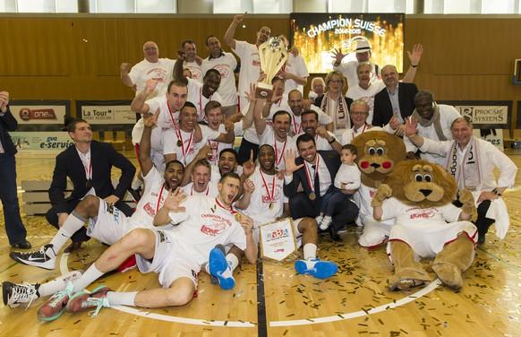 Genf, 23.05.2015, Basketball NLA Final, Lions de Geneve - Union Neuchatel, Lions de Geneve sind Meister und jubeln (Pascal Muller/EQ Images)