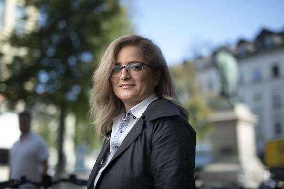 Maria Pappa (SP), Kandidatin fuer das Stadtpraesidium, posiert bei Vadian-Denkmal, am Donnerstag, 10. September 2020, in St. Gallen. In der Stadt wird am 27. September gewaehlt. (KEYSTONE/Gian Ehrenzeller)