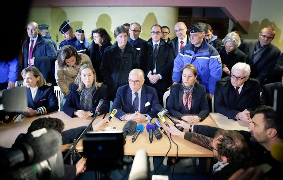 epa04677577 CAPTION CORRECTION CORRECTING ID IN epa04677572 (R-L) German Foreign Minister Frank-Walter Steinmeier, French Environment Minister Segolene Royal, French Interior Minister Bernard Cazeneuve, Spanish Minister of Public Works and Transport Ana María Pastor Julián hold a press conference at the emergency situation centre in Seyne Les Alpes, France, 24 March 2015 near the crash site of the Germanwings A320 aircraft. Germanwings Flight 4U 9525 from Barcelona to Duesseldorf crashed over the Southern Alps in France with 144 passengers and six crew on board, German air traffic control said 24 March.  EPA/Thomas Koehler/Photothek HANDOUT ATTENTION EDITORS: MANDATORYCREDITS ANDMENTIONINGOFTHESOURCE:'Photo:Thomas Koehler/photothek.net/Auswärtiges Amt/dpa  EDITORIAL USE ONLY/NO SALES    EDITORIAL USE ONLY/NO SALES  EDITORIAL USE ONLY/NO SALES