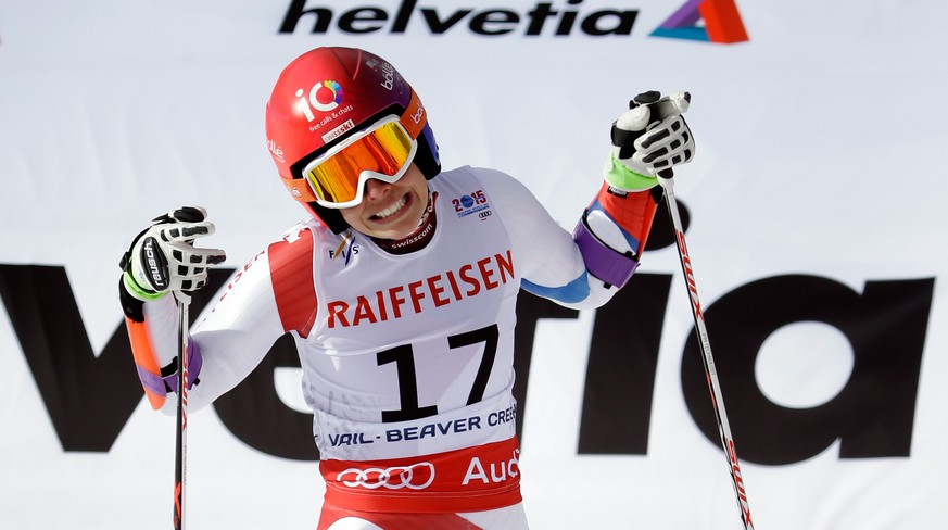 BEAVER CREEK, CO - FEBRUARY 12:  Dominique Gisin of Switzerland reacts during the Ladies' Giant Slalom on the Raptor racecourse on Day 11 of the 2015 FIS Alpine World Ski Championships on February 12, 2015 in Beaver Creek, Colorado.  (Photo by Ezra Shaw/Getty Images)
