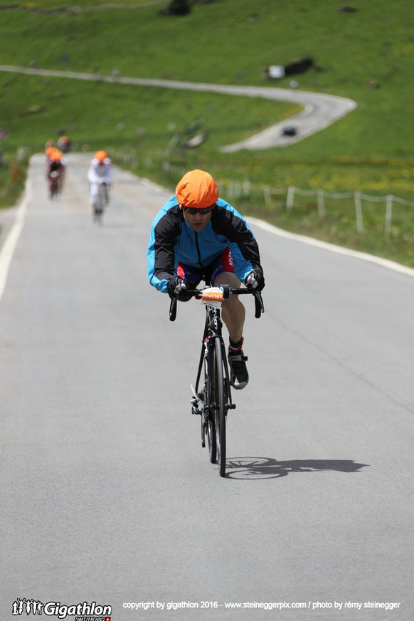 ERSTFELD-LINTHAL, 12.06.2016 - Auf der Veloestrecke ueber 104 km und 2800 Hm von Erstfeld ueber den Klausenpass nach Linthal und zurueck nach Erstfeld am Uerner Suntig am Gigathlon 2016.   copyright by gigathlon.ch & www.steineggerpix.com / photo by remy steinegger  +++  NO RESALE / NO ARCHIVE  +++