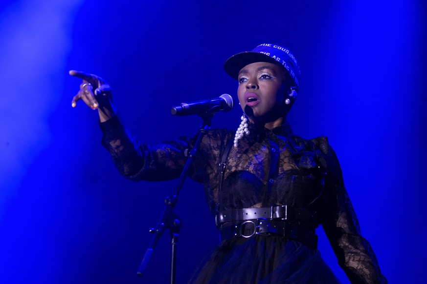 epa07728285 US singer Ms. Lauryn Hill performs on the main stage during the 36th edition of the Gurten music open air festival in Bern, Switzerland, 19 July 2019. The open air music festival runs from 17 to 20 July.  EPA/PETER KLAUNZER