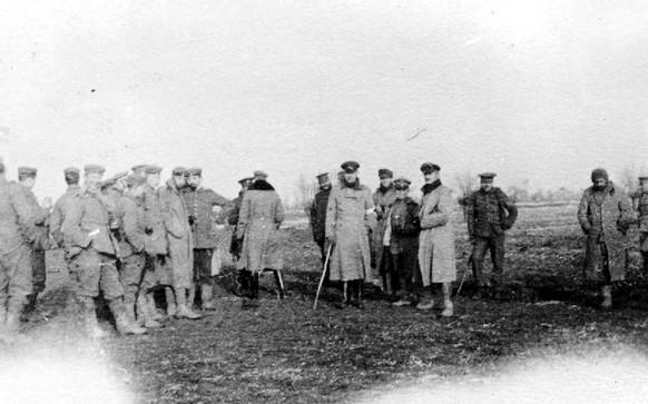 Erster Weltkrieg 1914 Westfront Weihnachtsfrieden Christmas Truce (Wikipedia/PD)
