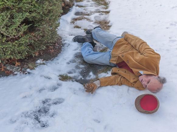 Winter Schnee Mann Sturz