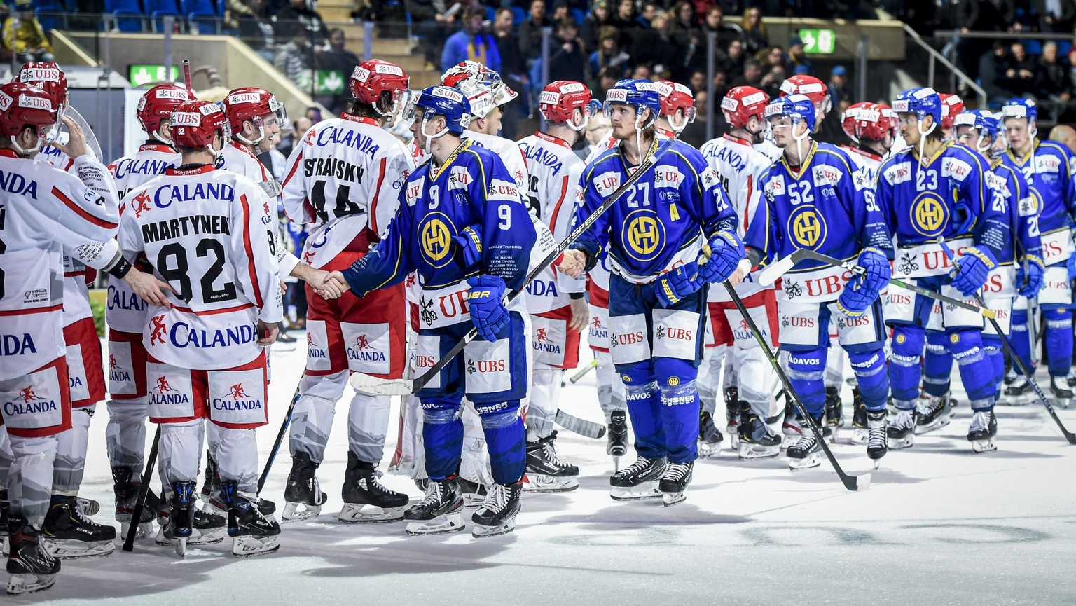 Davos' Magnus Nygren and the team after the game between HC Davos and HC Ocelari Trinec, at the 93th Spengler Cup ice hockey tournament in Davos, Switzerland, Friday, December 27, 2019. (KEYSTONE/Melanie Duchene)