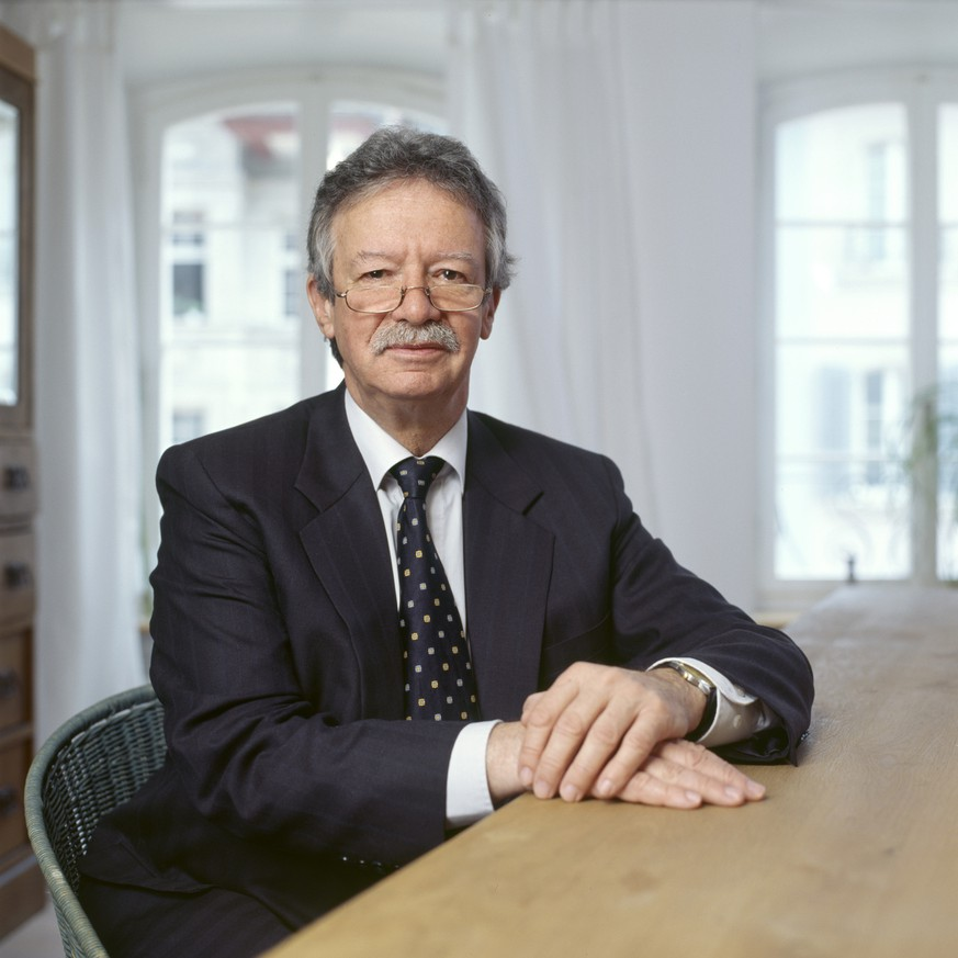 Portrait of Martin Killias, Swiss penologist and professor for criminal trial law and criminology, pictured at his apartment on April 21, 2011 in Lenzburg in the canton of Aargau, Switzerland. (KEYSTONE/Gaetan Bally)