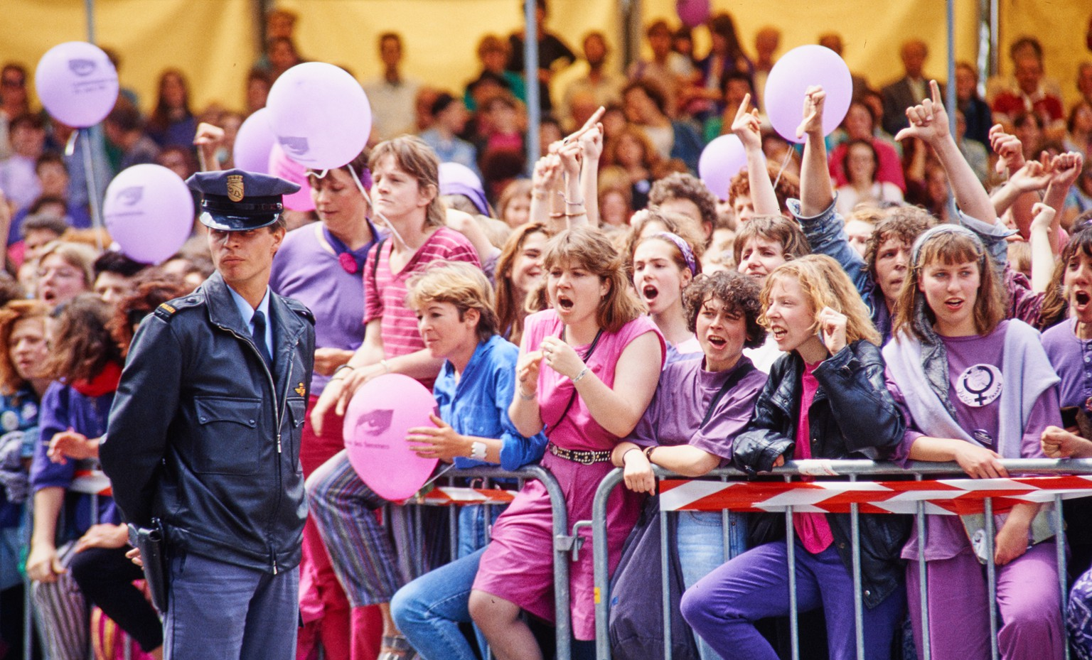 Streikende Frauen am nationalen Frauenstreiktag am 14. Juni 1991 in Bern.