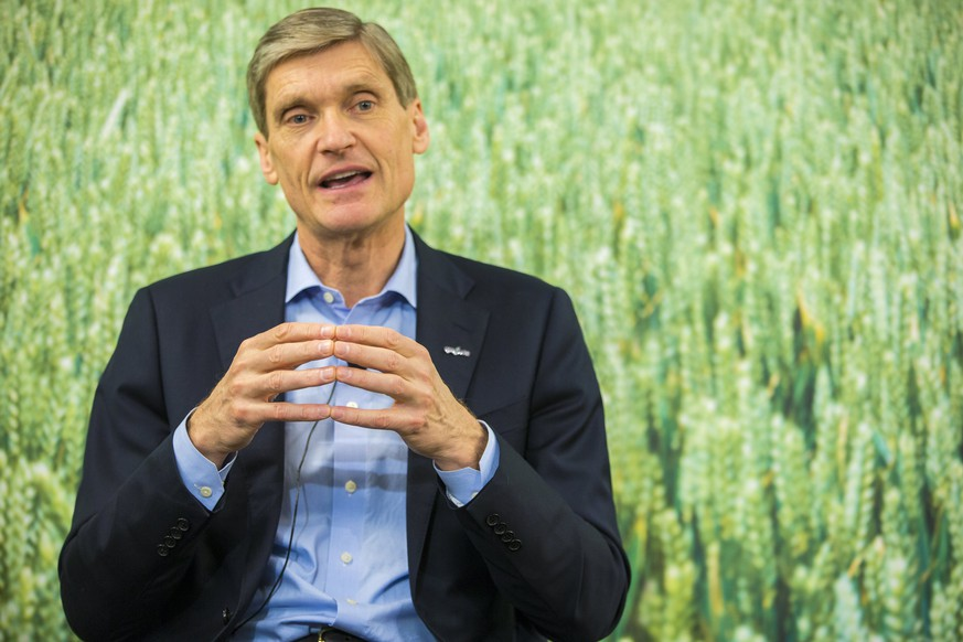 epa05777769 Erik Fyrwald, CEO of Syngenta presents the 2016 Full Year Results of Syngenta at the Syngenta Headquarter in Basel, Switzerland, 08 February 2017. Syngenta has decreased its profit in 2016 by 12 percent to 1.18 billion dollars.  EPA/PATRICK STRAUB