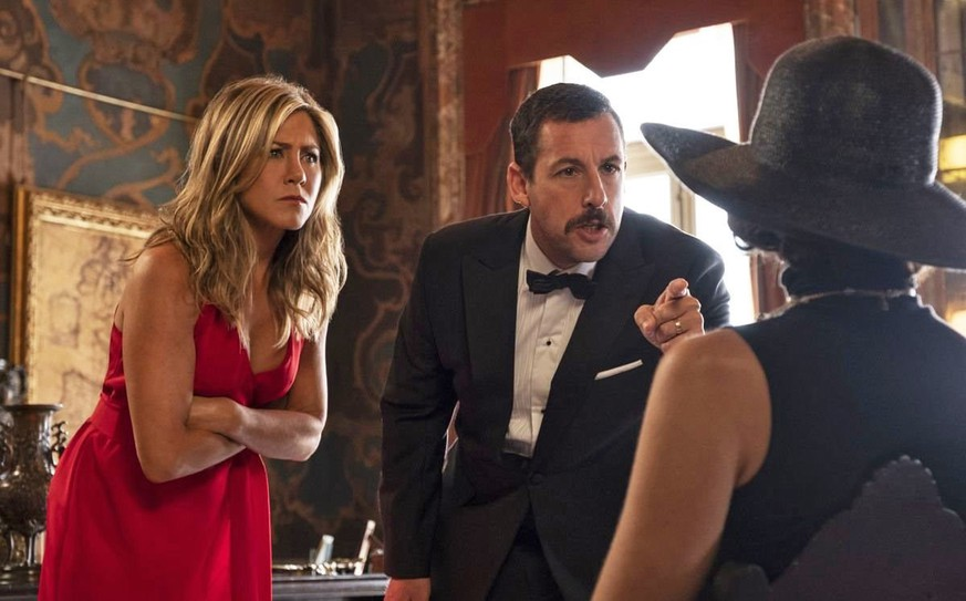 Jennifer Aniston, Adam Sandler u.a. in «Murder Mystery»