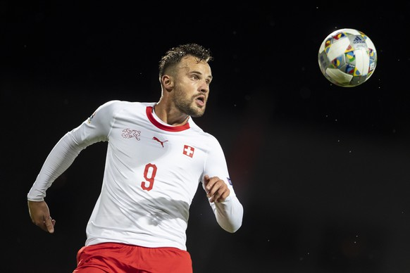 epa07095854 Switzerland's Haris Seferovic in action during the UEFA Nations League soccer match between Iceland and Switzerland at the Laugardalsvoellur stadium in Reykjavik, Iceland, 15 October 2018.  EPA/ENNIO LEANZA