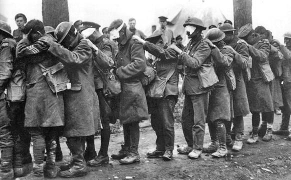 Erster Weltkrieg Gaskrieg Britische Soldaten 1918 (Wikipedia/PD)