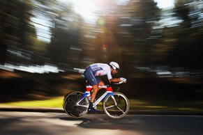 PONFERRADA, SPAIN - SEPTEMBER 24:  Sir Bradley Wiggins of Great Britain in action on his way to winning the Elite Men's Individual Time Trial on day four of the UCI Road World Championships - Day Four on September 24, 2014 in Ponferrada, Spain.  (Photo by Bryn Lennon/Getty Images)
