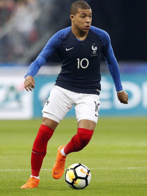 ARCHIV – ZU DEN TEAM-PORTRAITS DER GRUPPE C AN DER WM 2018 IN RUSSLAND STELLEN WIR IHNEN FOLGENDES BILDMATERIAL ZUR VERFUEGUNG - France's Kylian Mbappe runs with the ball during a friendly soccer match between France and Colombia at the Stade de France stadium in Saint-Denis, outside Paris, France, Friday March 23, 2018. (KEYSTONE/AP Photo/Francois Mori)