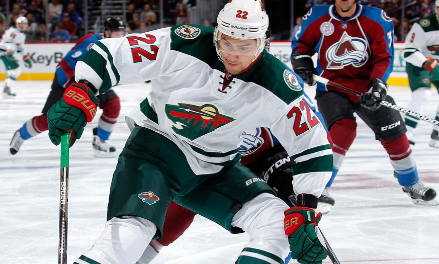 DENVER, CO - OCTOBER 08:  Nino Niederreiter #22 of the Minnesota Wild controls the puck against the Colorado Avalanche at Pepsi Center on October 8, 2015 in Denver, Colorado.  (Photo by Doug Pensinger/Getty Images)
