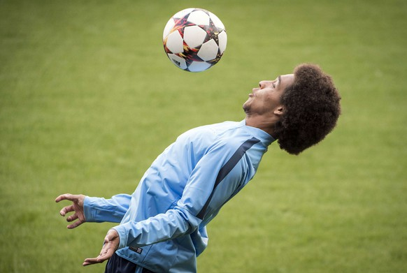 Zenit's player Axel Witsel takes part in a training session of Russian football team FC Zenit Saint Petersburg, on August 19, 2014, in Liege, on the eve of their UEFA Champions League first leg match against Standard de Liege. AFP PHOTO/BELGA/NICOLAS LAMBERT -BELGIUM OUT-