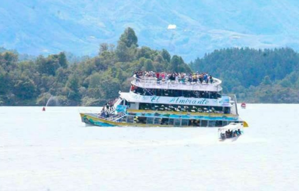 Mindestens neun Tote nach Schiffsunglück in Kolumbien