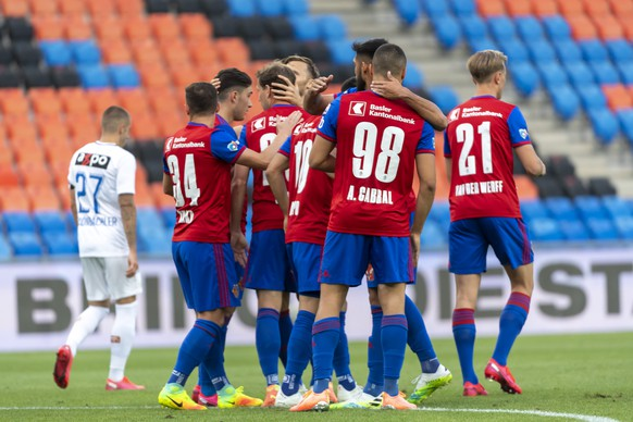 Basel's players cheer after scoring during the Super League match between FC Basel 1893 and FC Zuerich at the St. Jakob-Park stadium in Basel, Switzerland, on Tuesday, July 14, 2020. After most players of the first team were sent into isolation after positive Covid-19 tests, FC Zuerich's team had to be completed with u-21 players against FC Basel. (KEYSTONE/Georgios Kefalas)
