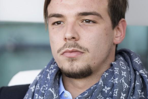 Le fils du president du FC Sion et team manager Barthelemy Constantin, lors de la rencontre de football de Super League entre le FC Sion et le FC St. Gallen ce dimanche 15 octobre 2017 au stade de Tourbillon a Sion. (KEYSTONE/Jean-Christophe Bott)