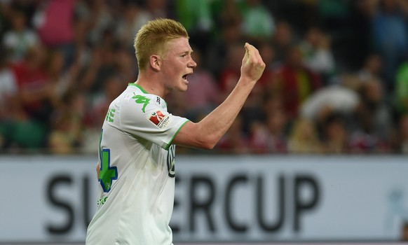 epa04869250 Wolfsburg's Kevin De Bruyne reacts during the German Supercup soccer match between VfL Wolfsburg and FC Bayern Munich at the Volkswagen Arena in Wolfsburg, Germany, 01 August 2015.  EPA/CARMEN JASPERSEN (EMBARGO CONDITIONS - ATTENTION - Due to the accreditation guidelines, the DFL only permits the publication and utilisation of up to 15 pictures per match on the internet and in online media during the match)
