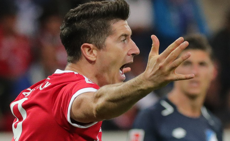 epa06194677 Bayern's Robert Lewandowski reacts during the German Bundesliga soccer match between TSG 1899 Hoffenheim and FC Bayern Munich in Sinsheim, Germany, 09 September 2017.  EPA/ARMANDO BABANI  (EMBARGO CONDITIONS - ATTENTION: Due to the accreditation guidelines, the DFL only permits the publication and utilisation of up to 15 pictures per match on the internet and in online media during the match.)