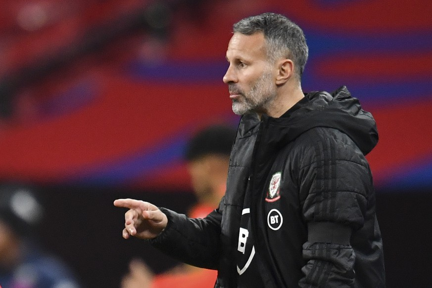 epa08730367 Wales' head coach Ryan Giggs reacts during the international friendly soccer match between England and Wales in London, Britain, 08 October 2020.  EPA/Glyn Kirk / POOL