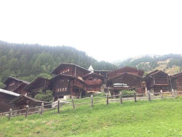 Die 43. Etappe beginnt mit der Fahrt ins Lötschental.