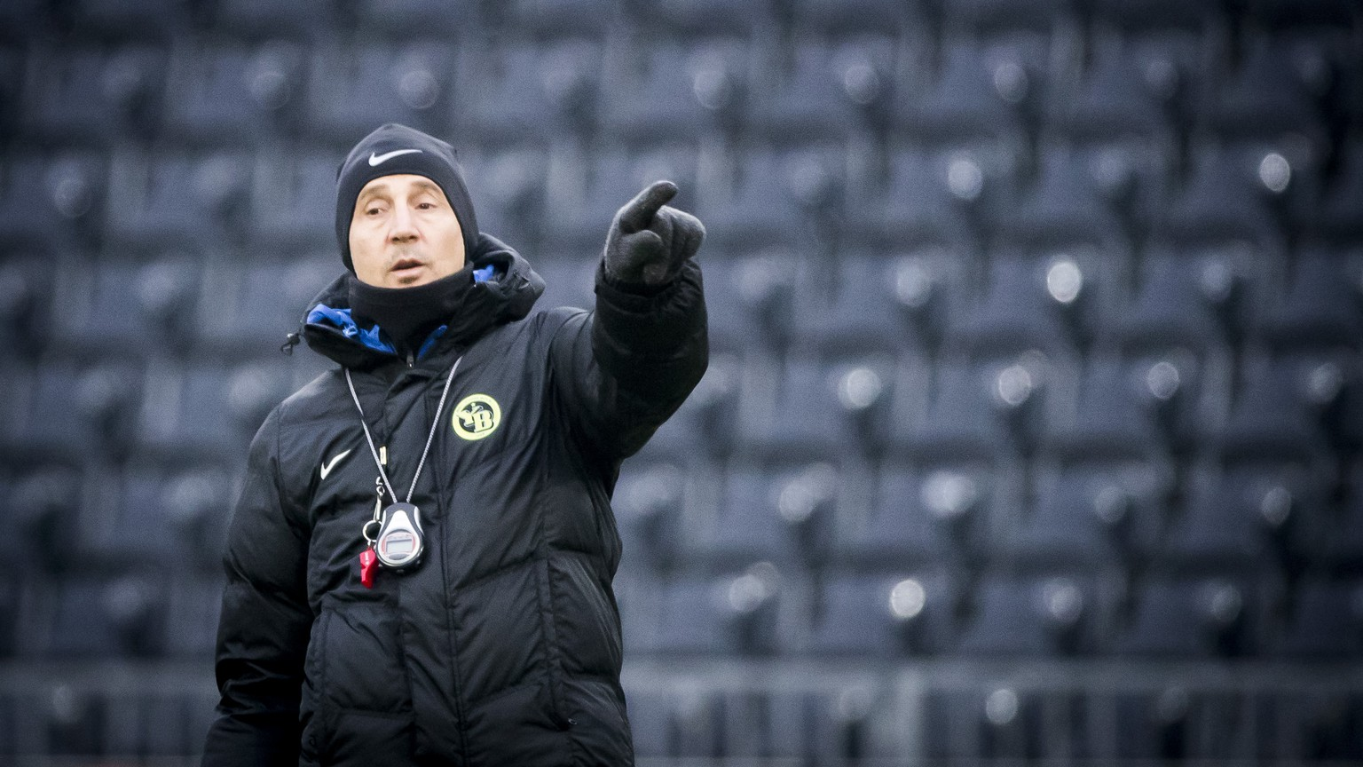 Young Boys' head coach Adi Huetter during a training session one day prior to the Europa League Group B match between Switzerland's BSC Young Boys and Albania's KF Skenderbeu Korce, in the Stade de Suisse stadium in Bern, Switzerland, on Wednesday, December 6, 2017. (KEYSTONE/Christian Merz)
