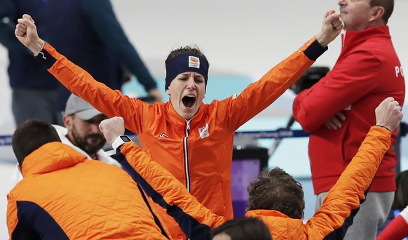 epa06518152 Ireen Wust of the Netherlands celebrates after winning the Women's Speed Skating 1500m event at the Gangneung Oval during the PyeongChang 2018 Olympic Games, South Korea, 12 February 2018.  EPA/VALDRIN XHEMAJ