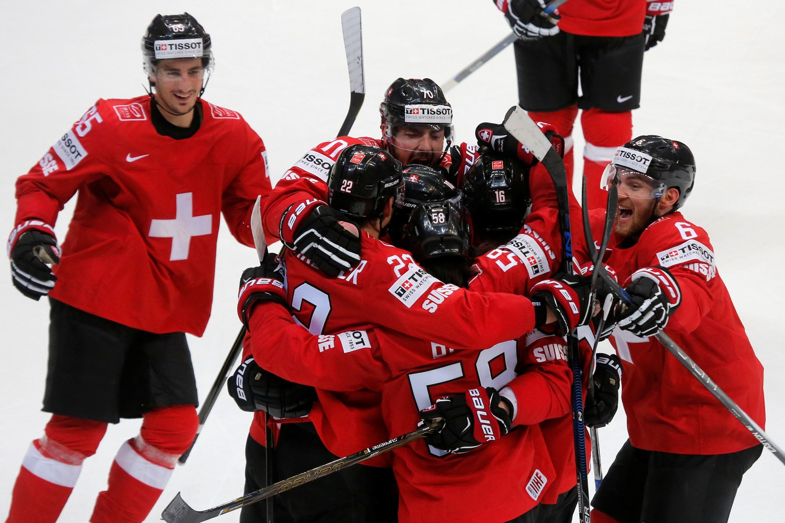 Ice Hockey - 2016 IIHF World Championship - Group A - Switzerland v Denmark - Moscow, Russia - 10/5/16 - Switzerland's national team players celebrate their victory against Denmark.  REUTERS/Maxim Shemetov