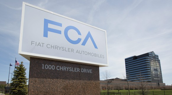 epa05080441 (FILE) A file picture dated 06 May 2014 shows the logo of the Fiat Chrysler Automobiles (FCA) at the Chrysler Group World Headquarters in Auburn Hills, Michigan, USA. Fiat Chrysler Automobiles (FCA) on 24 December recalled 570,300 utility vehicles, saying two separate defects pose a fire risk for owners. One problem involves 477,000 vehicles sold globally, all 2011-12 Jeep Grand Cherokee and Dodge Durango sports utility vehicles. The other problem involves 93,300 Jeep Compass and Patriot compact utility vehicles from the 2015 model year, news reports said The Jeep Grand Cherokees and Dodge Durangos have defective vanity mirror wiring that FCA said could overheat and become a fire hazard. Most of the cars with the defect were sold in the United States, Canada or Mexico, but 84,300 of them were sold in other countries, the Detroit Free Press reported. The recalled cars were mostly sold in the US, Canada and Mexico, but 24,000 of them were sold outside those countries, the newspaper said. FCA is not aware of any injuries or accidents caused by either defect.  EPA/RENA LAVERTY