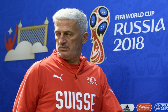 Switzerland's head coach Vladimir Petkovic arrives for a press conference on the eve of the FIFA World Cup 2018 group E preliminary round soccer match between Switzerland and Costa Rica at the Nizhny Novgorod Stadium, in Nizhny Novgorod, Russia, Tuesday, June 26, 2018. (KEYSTONE/Laurent Gillieron)