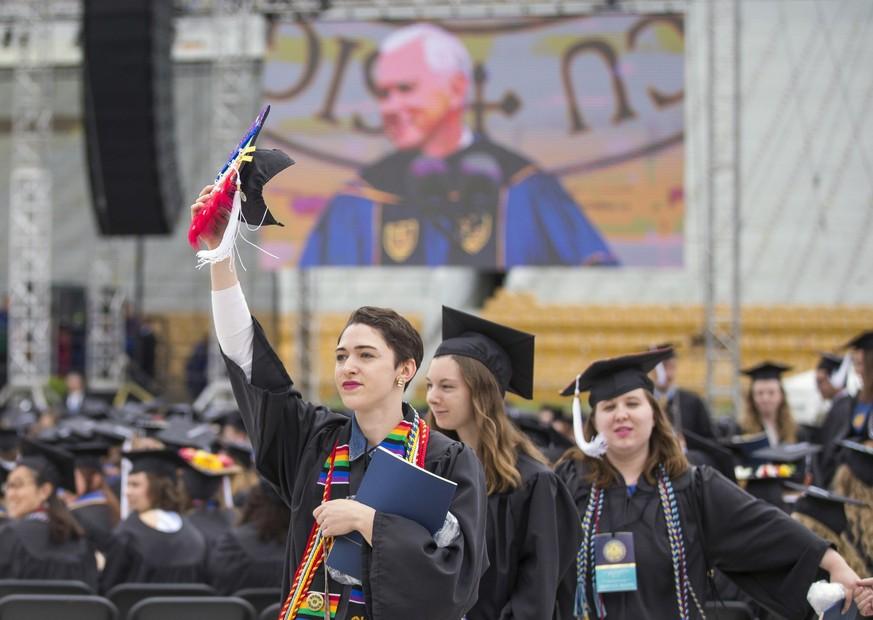 US-Studenten verließen aus Protest gegen Vizepräsident Abschlussfeier