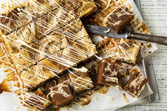 Ein Mix der besten Desserts der Welt: Marroni-Cheesecake-Brownies von Swissmilk