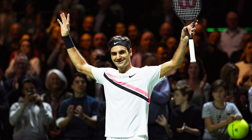 epa06537497 Roger Federer of Switzerland celebrates after defeating Andreas Seppi of Italy in their semi final match of the ABN Amro World Tennis Tournament in Rotterdam, Netherlands, 17 February 2018.  EPA/KOEN SUYK