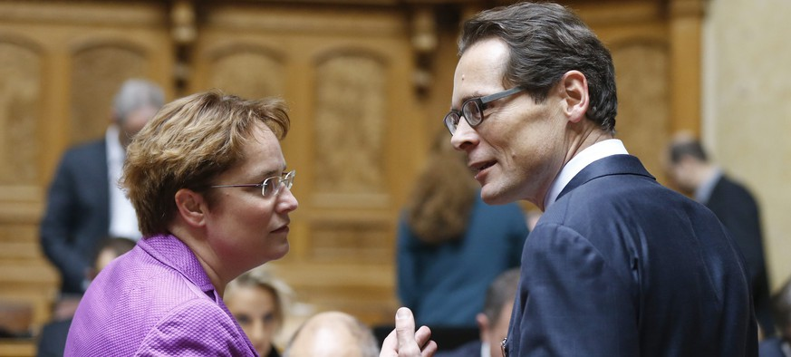 epa05049841 Magdalena Martullo-Blocher (L), and Roger Koeppel, members of the fraction of the Swiss People's Party SVP in the Swiss National Council (House of Representatives), on the first day of the parliaments session, in Bern, Switzerland, 30 November 2015. It is the first day of the first three weeks's session of the two chambers of Switzerland's parliament after the elections which took place in October 2015.  EPA/PETER KLAUNZER