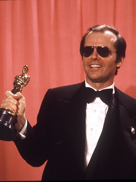 FILE - In this March 30, 1975 file photo, actor Jack Nicholson, named best actor of 1975 by the Motion Picture Academy, holds the Oscar he won for his role in