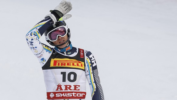 epa07376823 Andre Myhrer of Sweden reacts in the finish area during the first run of the men's Slalom race at the FIS Alpine Skiing World Championships in Are, Sweden, 17 February 2019.  EPA/VALDRIN XHEMAJ