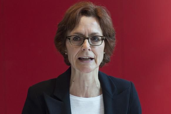 Monika Ruehl, Vorsitzende der Geschaeftsleitung, aeussert sich zu wichtigen Weichenstellungen an der Jahresmedienkonferenz des Wirtschaftsverbandes economiesuisse, am Dienstag, 2. Februar 2016, in Bern. (KEYSTONE/Lukas Lehmann)